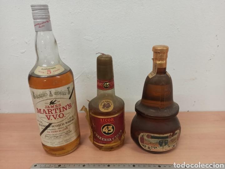 LOTE DE 3 BOTELLAS DE LICOR 43 , WHISKY MARTÍNS , Y ESTOMACAL PRECINTADAS SIN USO (Coleccionismo - Botellas y Bebidas - Vinos, Licores y Aguardientes)
