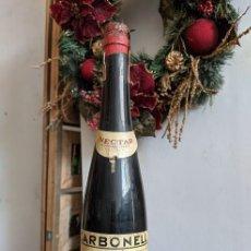 Coleccionismo de vinos y licores: ANTIGUA BOTELLA NÉCTAR OLOROSO VIEJO MONTILLA CARBONELL. Lote 289221158