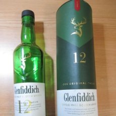 Coleccionismo de vinos y licores: BOTELLA GLENFIDDICH 12 VACIA 700 CL EN SU CAJA ORIGINAL. Lote 293352293