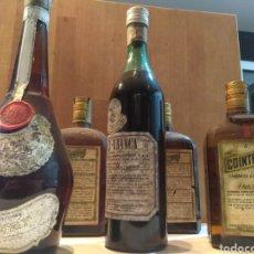 Coleccionismo de vinos y licores: BOTELLAS ANTIGUAS. CALISAY, FERNET, COINTREAU. Lote 296913903