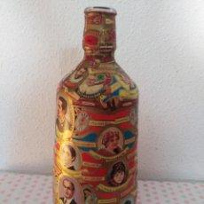Vitolas de colección: BOTELLA DECORADA CON VITOLAS. Lote 233833895