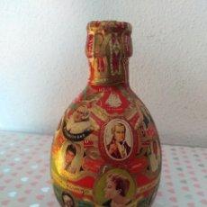 Vitolas de colección: BOTELLA DECORADA CON VITOLAS. Lote 233834365