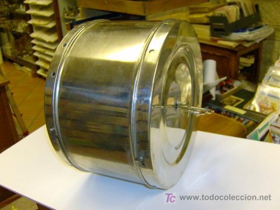 Coleccionismo: TAMBOR CLINICO DE AUTOCLAVE EN METAL CROMADO SIN USO PREVIO - DOS TAPADERAS CON ASA - Foto 2 - 23477366