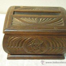Coleccionismo: CAJA DE MADERA PARA CIGARRILLOS. Lote 26311647
