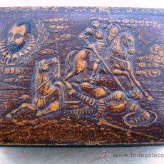 Coleccionismo: ANTIGUA TABAQUERA DE CUERO REPUJADO (QUIJOTE ). Lote 26913637