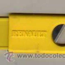 Coleccionismo: CORTAPUROS CON PUBLICIDAD DE RENAULT - COCHE. Lote 22797301