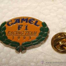 Coleccionismo: PIN DE DEPORTES / TABACO. FÓRMULA 1. EQUIPO CAMEL F1. 1996. . Lote 23321522
