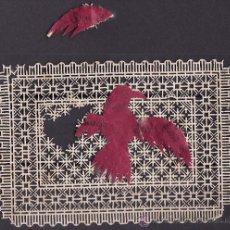 Coleccionismo: ESTAMPA DE PUNTILLA TROQUELADA EN SU TOTALIDAD. FIGURA PAJARO SOBREPUESTA PRECIOSA. Lote 29004711