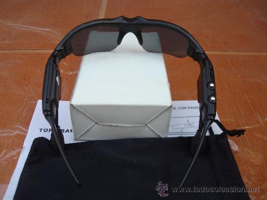 GAFAS DE SOL CON RADIO FM INCORPORADA ...IDEAL PARA CAMINAR Y CORRER segunda mano