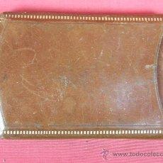 Coleccionismo: ANTIGUA PURERA DE PIEL, BORDES CON ESTAMPACIÓN DORADA 1920 14 X 9 CM. Lote 29977080
