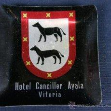Coleccionismo: CENICERO ALUMINIO HOTEL CANCILLER AÑOS 50 60 8,5 X 8,5 X 1CM. Lote 33074010