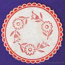 Coleccionismo: POSAVASOS - GENERICO - FLORES - ANTIGUO - PAPEL - AÑOS 60 / 70. Lote 33374944