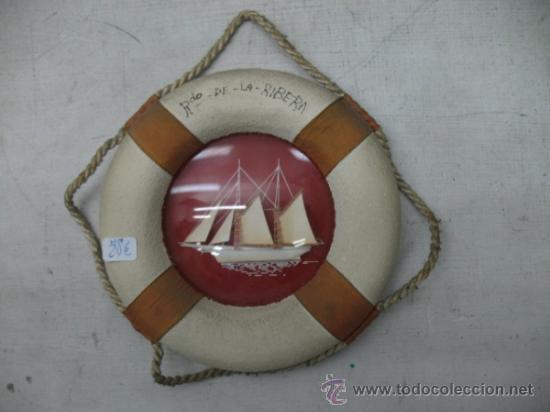Coleccionismo: Lote de cuatro piezas decorativas de recuerdo: bote, tela, flotador y botella con barco - Foto 2 - 33997510