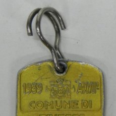 Coleccionismo: ANTIGUA CHAPA IMPUESTO CANINO 1º CATEGORIA DE TRIESTE, AÑO 1939, MIDE 3 X 2,2 CMS.. Lote 34933745