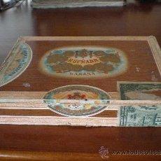 Coleccionismo: LA HABANA (CUBA) ANTIGUA CAJA MADERA PUROS H. UPMANN. 25 ESPECIALES CELLOPHANE. Lote 31888057