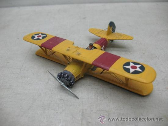 Coleccionismo: Avioneta de metal con dos pilotos - Foto 5 - 36904952