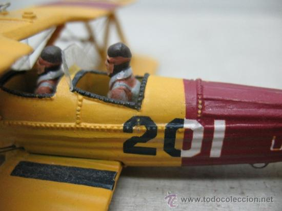 Coleccionismo: Avioneta de metal con dos pilotos - Foto 4 - 36904952