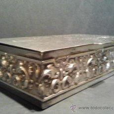 Coleccionismo: BONITA CAJA TABAQUERA PARA CIGARROS EN ALPACA.. Lote 37116458