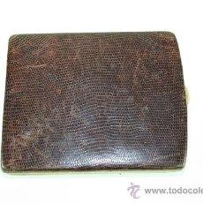 Coleccionismo: PITILLERA EN PIEL DE SERPIENTE AÑOS 20 / 30.. Lote 38418188