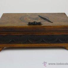 Coleccionismo: CIGARRERA EN MADERA DE OLIVO TALLADA. MED S XX. . Lote 39109196