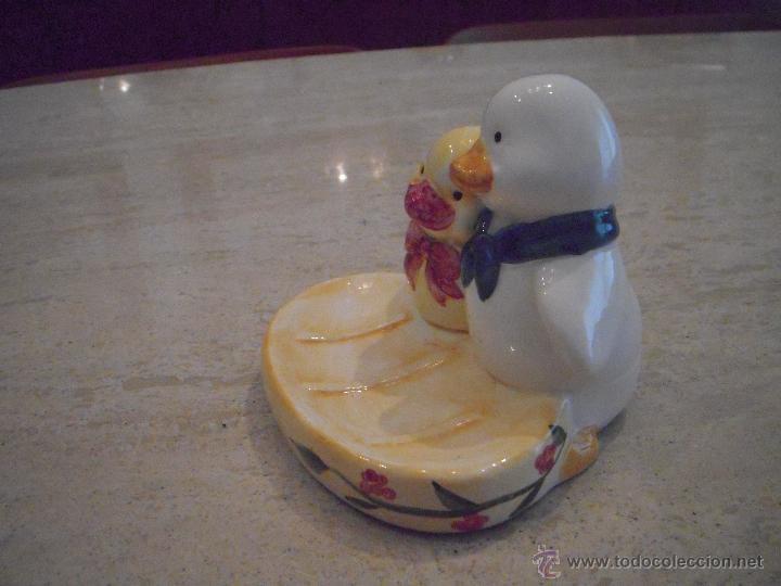 jabonera de ceramica y regalo de un porta cepillos segunda mano