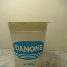 Coleccionismo: PRECIOSO VASO DE PLASTICO DE DANONE NATURAL, 7.5CMS DE ALTURA. Lote 39567733