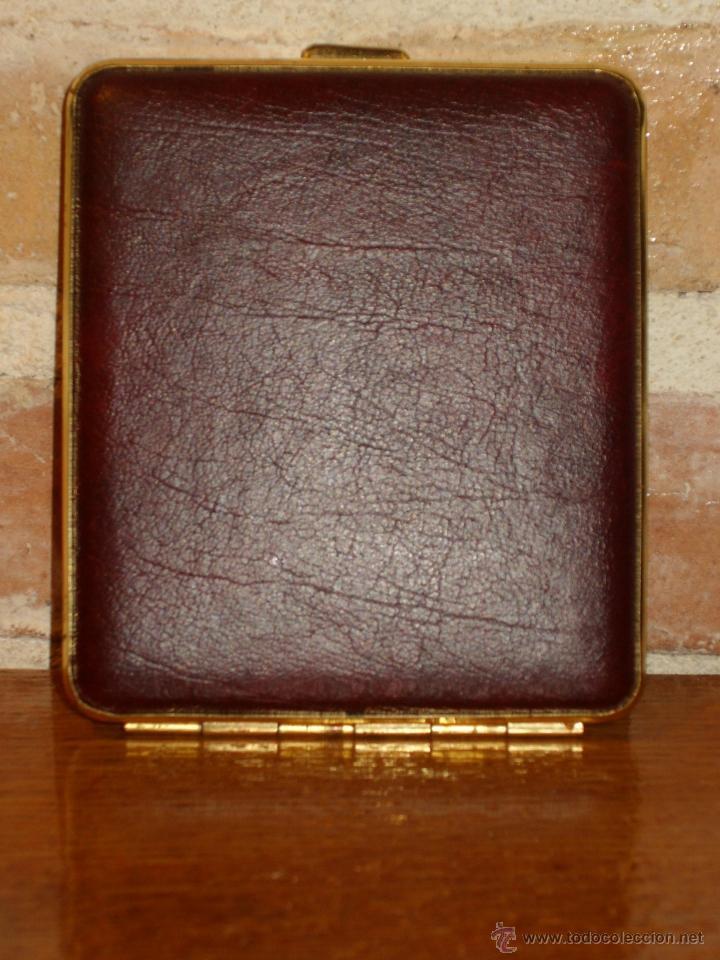 Coleccionismo: ANTIGUA PITILLERA DE PIEL Y METAL DE VISAGRA.. - Foto 2 - 42318479