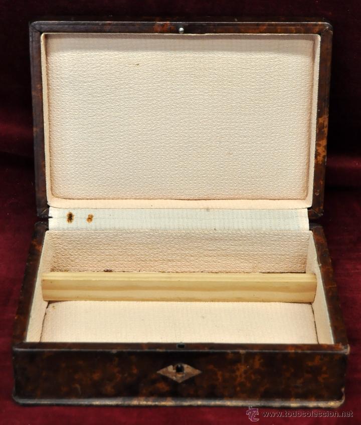 Coleccionismo: BONITA CAJA TABAQUERA FORRADA EN CUERO DE LOS AÑOS 50-60 - Foto 3 - 43225159