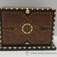 Coleccionismo: CAJA TABAQUERA AÑOS 60. Lote 43435192