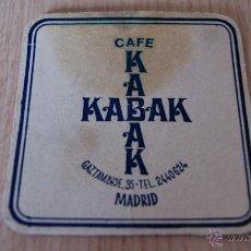 Coleccionismo: POSAVASOS ANTIGUO AÑOS 60 KABAK CAFE MADRID. Lote 43529779