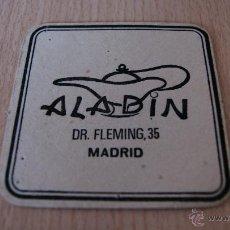 Coleccionismo: POSAVASOS ANTIGUO AÑOS 60 ALADIN MADRID. Lote 43529835