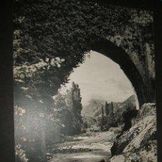 Coleccionismo: CANGAS DE ONIS ASTURIAS ANTIGUO HUECOGRABADO AÑOS 50. Lote 45708190