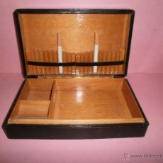 Coleccionismo: CAJA DE CIGARRILLOS CON DEPARTAMENTOS VARIOS. Lote 49675960