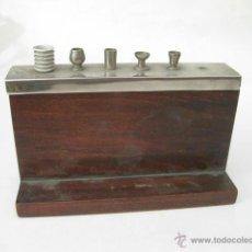 Coleccionismo: PITILLERA DE MESA CON FORMA DE BARRA DE BAR Y COCTELERA - DEL CAZ. Lote 49936188