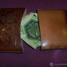 Coleccionismo: ANTIGUA PITILLERA CUERO DIBUJO CIBELES EN RELIEVE, PARA PICADURA DE TABACO. Lote 52003376