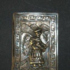 Coleccionismo: FUNDA PARA CAJETILLA DE CERILLAS. PLATA DE LEY CINCELADA. PERU(?) CIRCA 1930. Lote 53312079