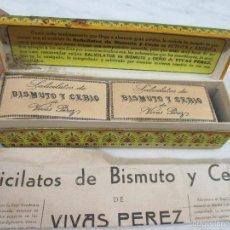 Coleccionismo: ANTIGUA CAJA CARTÓN - SALICILATOS DE BISMUTO - POR J .J.VIVES PEREZ - 12 SOBRES + INSTRUCCIONES. Lote 56102085