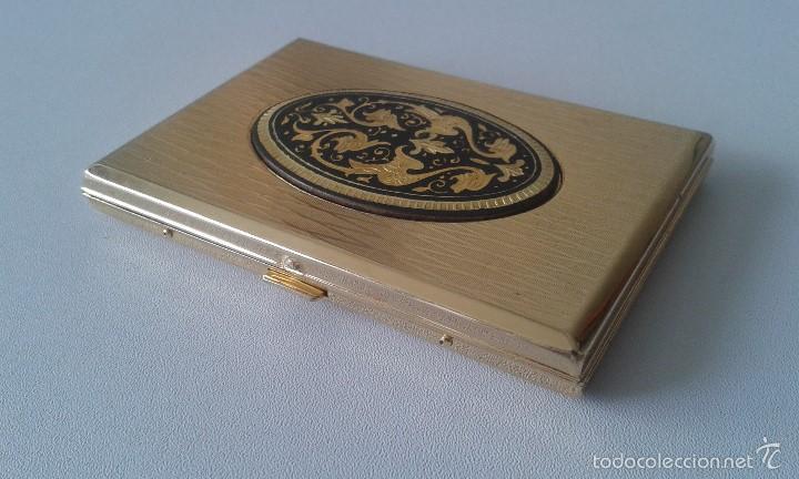 Coleccionismo: Preciosa pitillera metálica dorada -- Con filigranas en el frontal -- - Foto 3 - 57910893