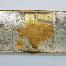 Coleccionismo: PITILLERA ANTIGUA WADSWORTH EN BRONCE, CON MAPA DE TEXAS GRABADO, HECHA EN USA .. Lote 58502986