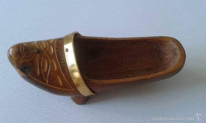Coleccionismo: Madreña madera -- Recuerdo de Villablino ( León ) -- Tallada en los años 80 -- Zueco - Foto 2 - 58895606