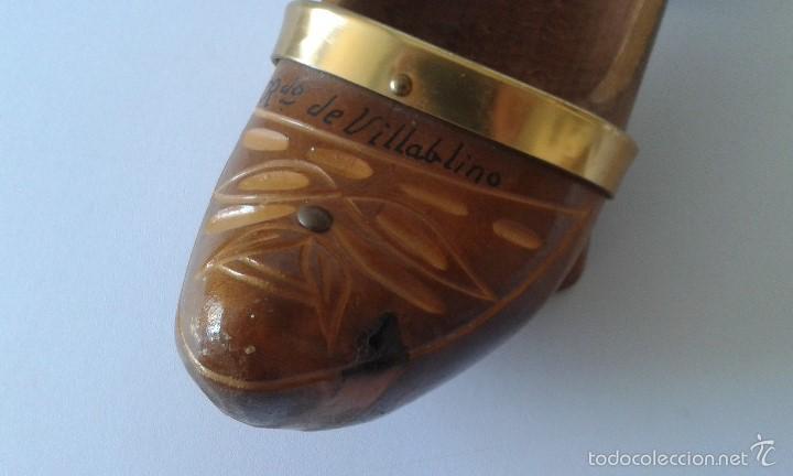 Coleccionismo: Madreña madera -- Recuerdo de Villablino ( León ) -- Tallada en los años 80 -- Zueco - Foto 4 - 58895606