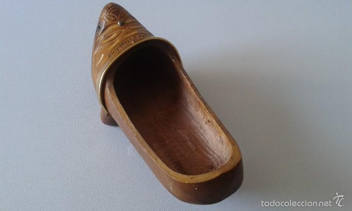 Coleccionismo: Madreña madera -- Recuerdo de Villablino ( León ) -- Tallada en los años 80 -- Zueco - Foto 5 - 58895606