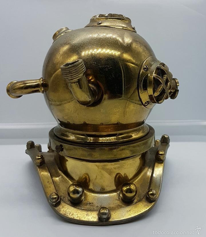 Coleccionismo: Reproducción de antigua escafandra de buzo en bronce, cobre y cristal . - Foto 3 - 96927243