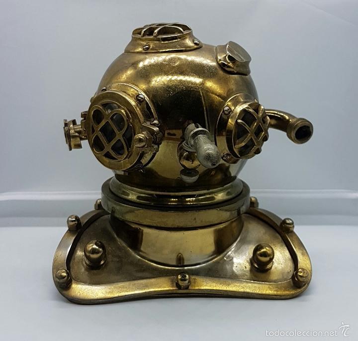 Coleccionismo: Reproducción de antigua escafandra de buzo en bronce, cobre y cristal . - Foto 6 - 96927243