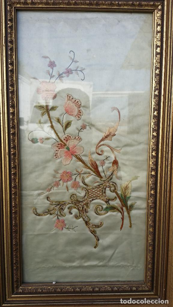 Coleccionismo: cuadro con bordados en hilo de seda y marcos dorados - Foto 2 - 62568696