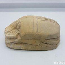 Coleccionismo: AMULETO DE VIDA Y PODER EGIPCIO ( ESCARABEO ), EN PIEDRA TALLADA A MANO CON MOTIVOS GRABADOS .. Lote 96517158