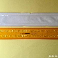 Coleccionismo: PLANTILLA TÉCNICA LETRA RECTA 8 MM. ROTRING.. Lote 178566045