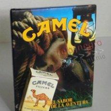 Coleccionismo: DISPLAY PUBLICITARIO - CAMEL - CAJETILLA PAQUETE EN RELIEVE - TABACO - PUBLICIDAD DE CARTÓN - DISEÑO. Lote 67378513