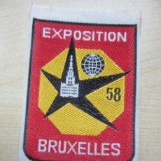 Coleccionismo: ESCUDO EN TELA BORDADA CONMEMORATIVO DE LA EXPOSICIÓN DE BRUSELAS 1958. Lote 75719511