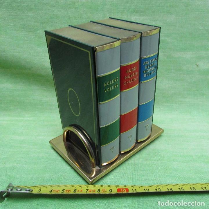 ANTIGUA CIGARRERA-TABAQUERA-PITILLERA ESMALTADA-FORMA DE LIBROS-IDEAL BIBLIOTECA-ORIGINAL AÑOS 60-70 (Coleccionismo - Objetos para Fumar - Otros)